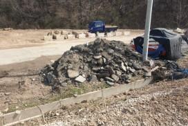 (카메라고발) 국도34호선 건설폐기물 '방치'…환경오염 우려